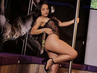 Alessiaglow - sexcam