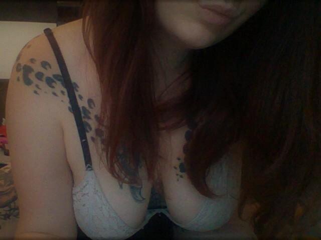 Sexcam avec 'angelatattoo'
