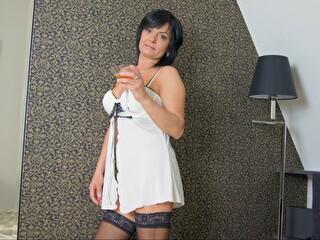 Hotcrystall - sexcam